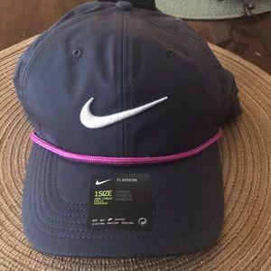 Nike Classic99 Aerobill Golf Hat